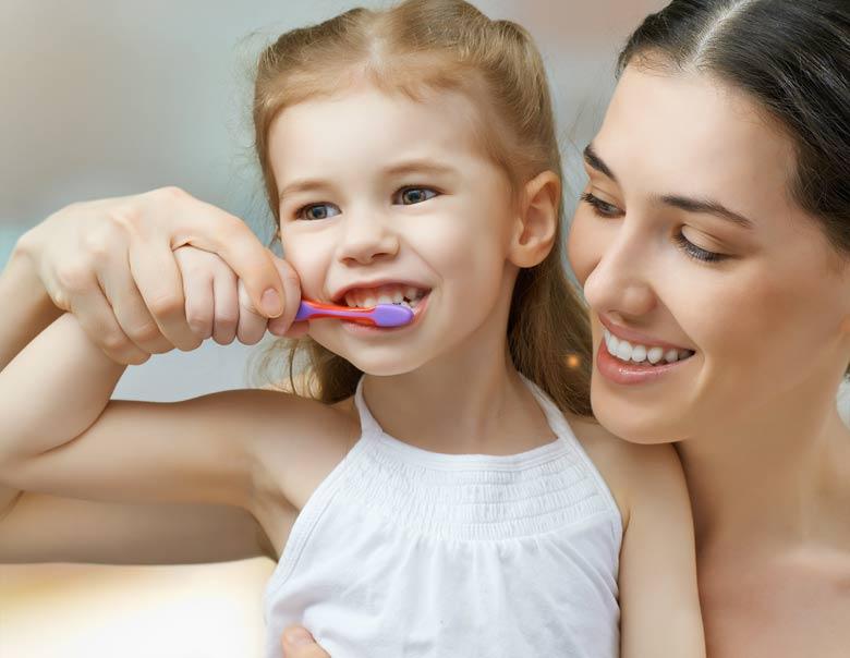 Zähneputzen mit Kindern in Leonberg